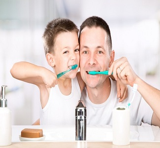 father and son brushing teeth together 1000x640 - مراقبت از دندان های شما